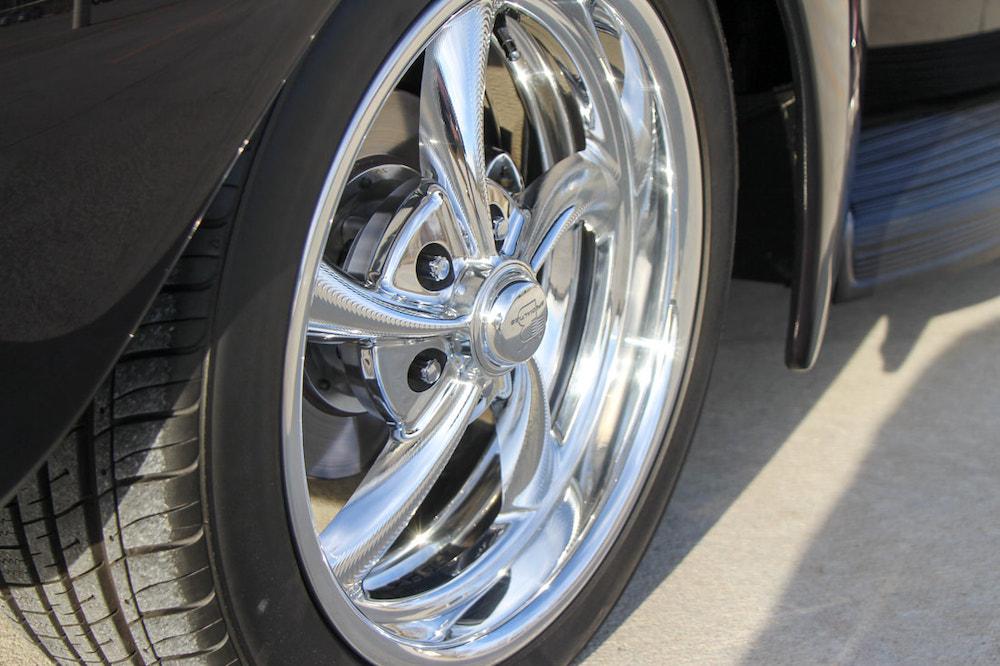 custom deluxe ford wheels